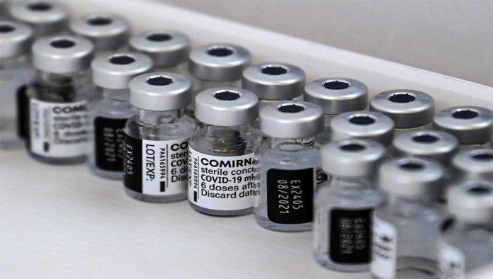Frasco con vacuna sputnik v
