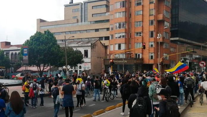 Denuncian violencia sexual en contra de manifestantes de Colombia
