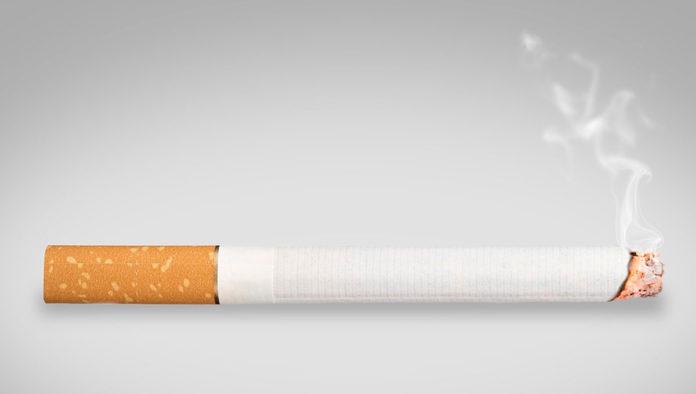 Riesgo de enfermedad grave y muerte por Covid-19 aumenta entre fumadores: OMS