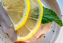 Prepara esta carlota de limón con solo cuatro ingredientes
