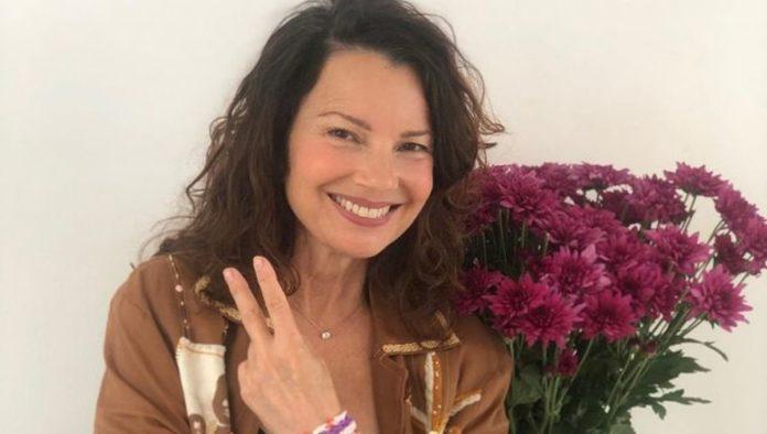 """22 años después, así luce Fran Drescher con este icónico Moschino de """"La Niñera"""""""
