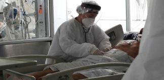 Paciente atendida por hongo negro