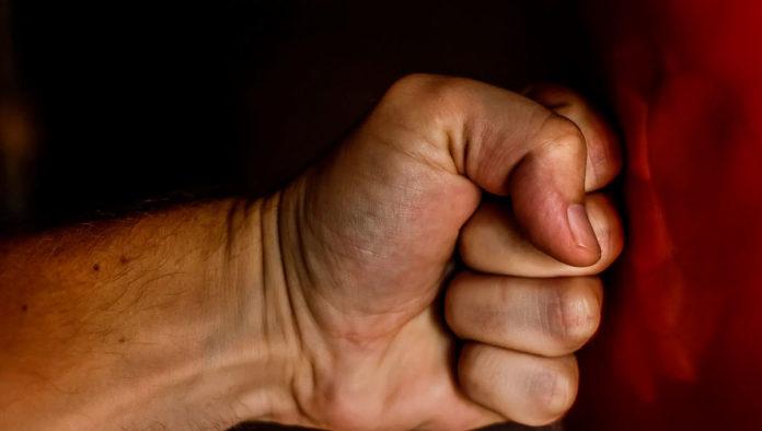 Actitudes de pareja que son violentas pero se consideran