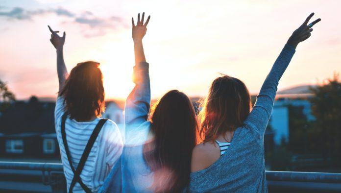 Día de la Amistad: la importancia de tejer redes de amor con amigas
