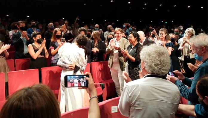 Noche de fuego de Tatiana Huezo recibe 10 minutos de aplausos en Cannes