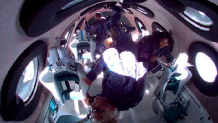 El multimillonario Richard Branson completó con éxito su viaje al espacio