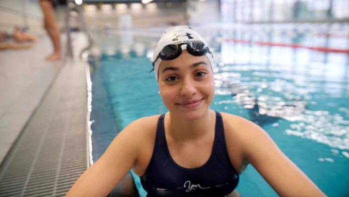 Conoce a Yusra Mardini, la abanderada olímpica que rescató a 18 refugiados del mar