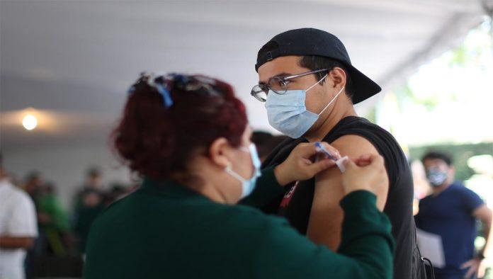 Vacunación a jóvenes