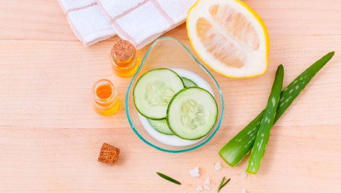 Cinco ingredientes que puedes encontrar en casa para desinflamar las ojeras