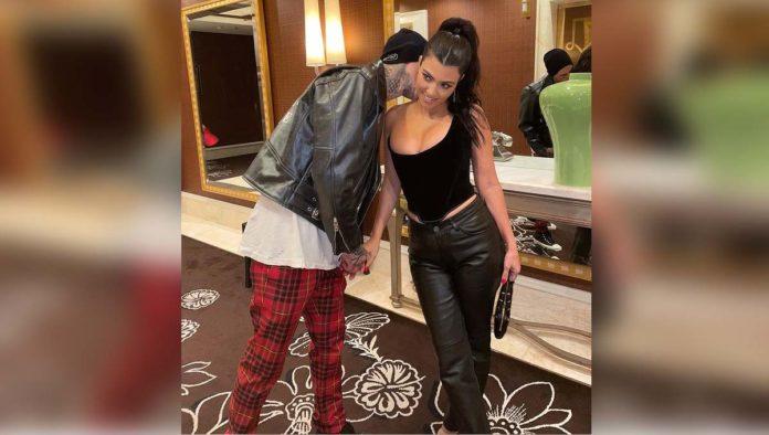 Travis Baker y Kourtney Kardashian