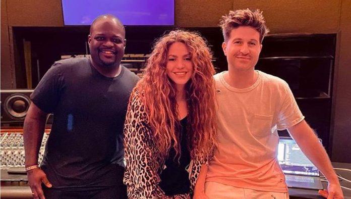 Shakira en el estudio