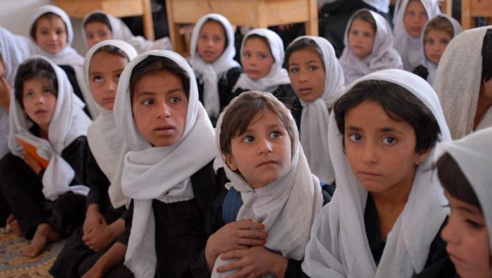 Unesco alerta sobre los avances en materia educativa que están en riesgo en Afganistán