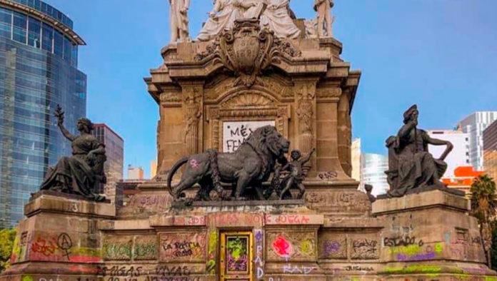 Se cumplen dos años de la marcha #NoNosCuidanNosViolan en el Ángel de la Independencia