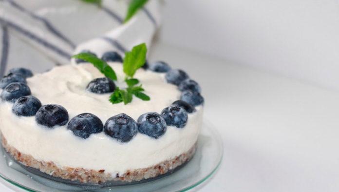 Prepara deliciosos mini cheesecakes fácil y rápido