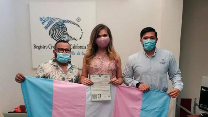 Baja California Sur realiza el primer cambio de identidad para reconocer a mujer trans