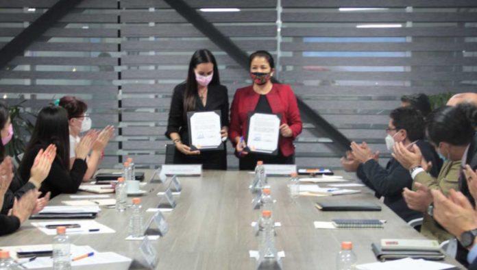 Firma del covenio contra violencia de género