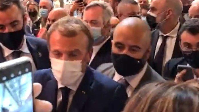 Emmanuel Macron huevo