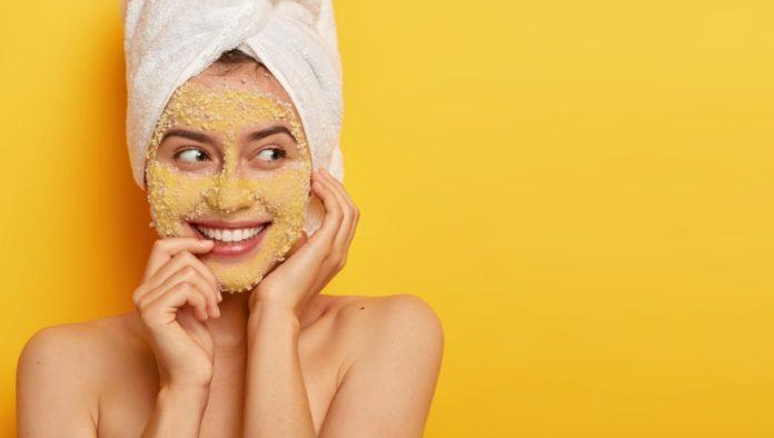 Mascarilla de cúrcuma y bicarbonato de sodio para eliminar las cicatrices por acné