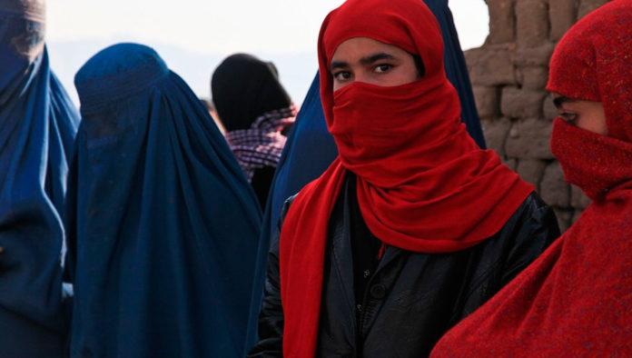 Estas son las nuevas reglas para mujeres estudiantes en Afganistán